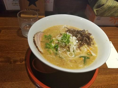 そうだ、十勝岳登ろう。 といわけで富良野の富岡製麺所 味噌!!!