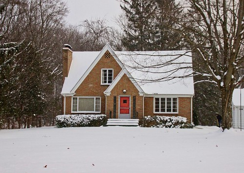 IMG_11426a_Michigan_House_in_Snow