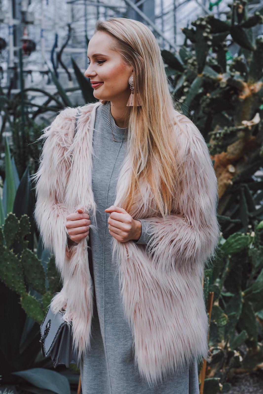 Incorporating pink in winter wardrobe
