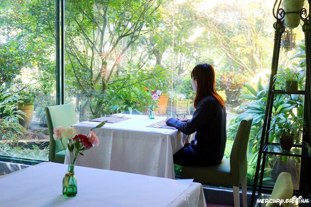38310984985 0f8aa4e811 b - 熱血採訪|新社千樺花園餐廳,森林裡的玻璃屋咖啡廳,品嚐無菜單法式料理