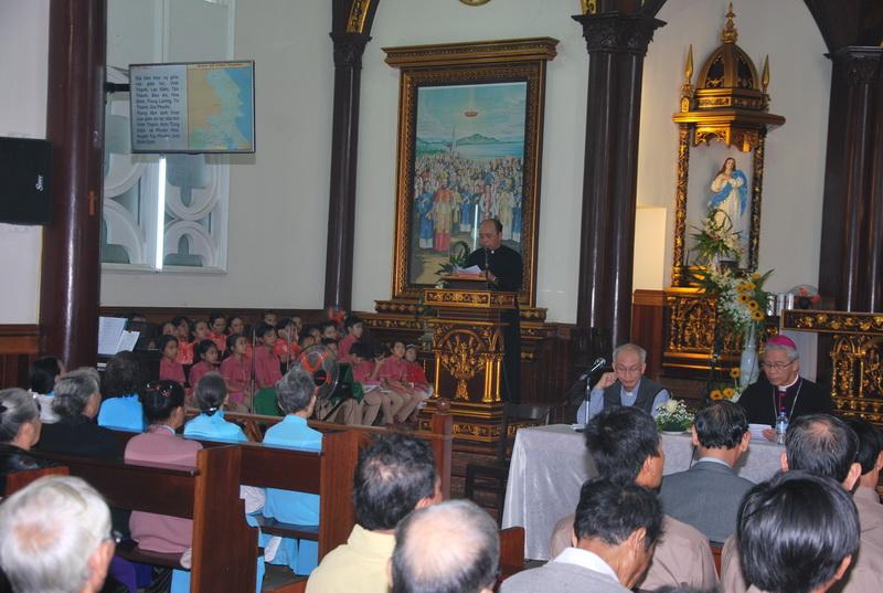 Đức Giám mục kinh lý Giáo xứ Vĩnh Thạnh