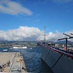 Изображение USS Missouri вблизи Hickam Field. 2017 vacation trip hawaii unitedstates pacificnationalmonument ussmissouri