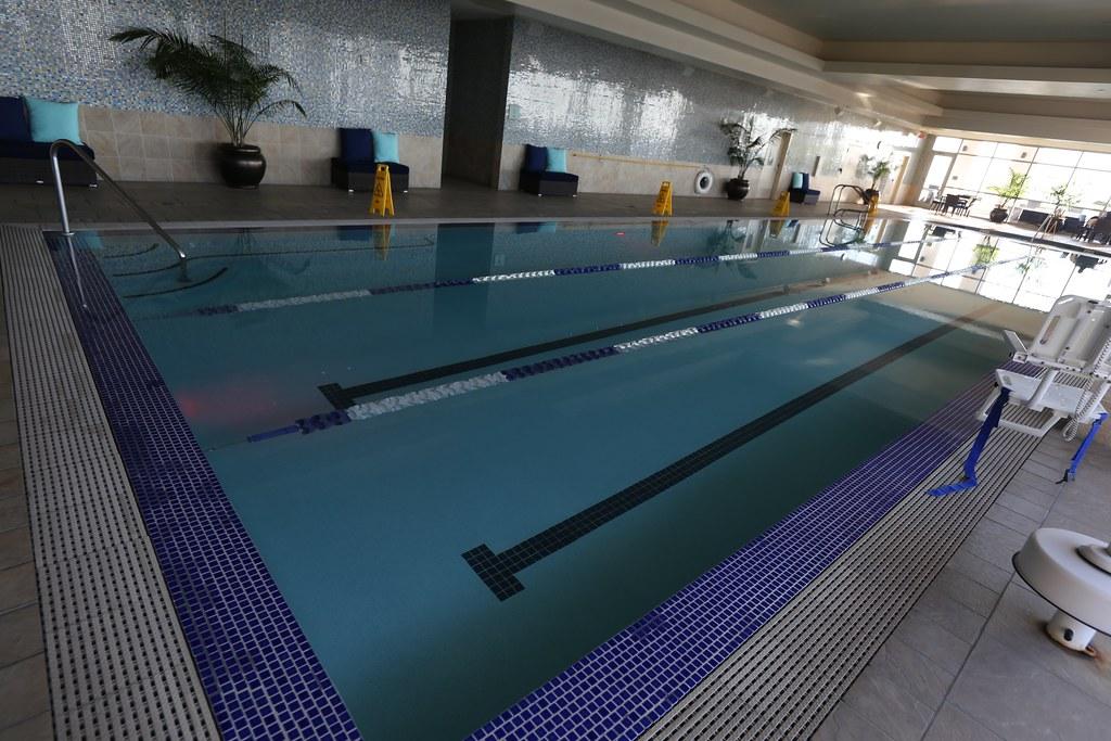 Hilton Americas-Houston Pool and Gym 19