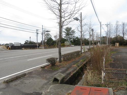 金沢競馬場の通りに到着した