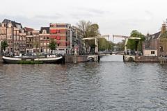 Puente levadizo desde el R�o Amstel- Amsterdam (Holanda)