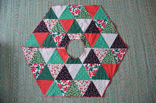 Hexagon Xmas Tree Skirt - top