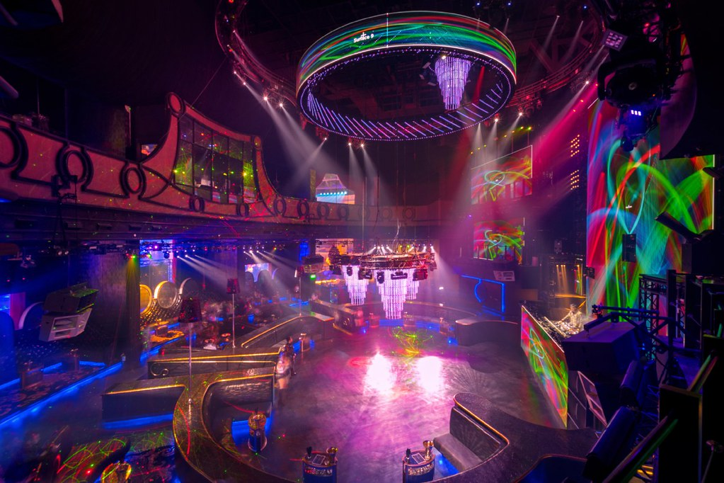 COVE MANILA: Southeast Asia's Biggest Beach Club & Nightclub! @OkadaManila