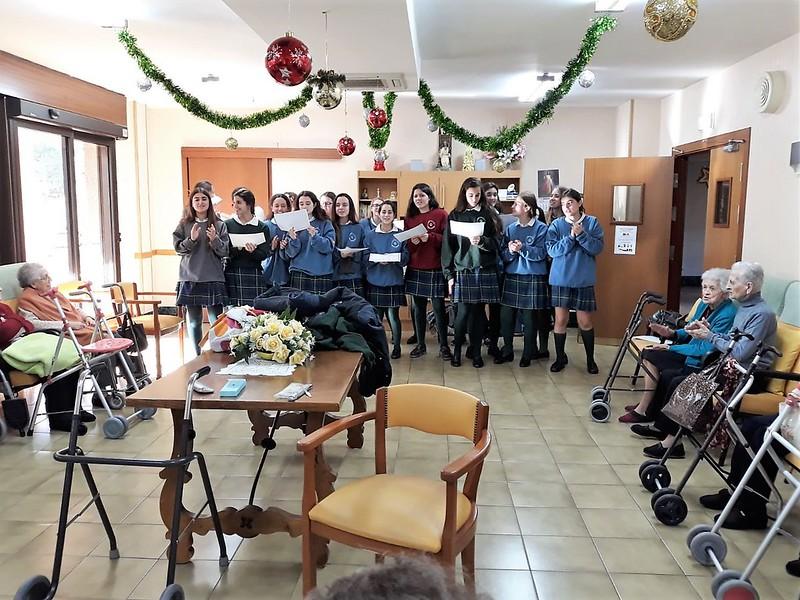 Visita a Residencia de Mayores - Navidad 2017 (Orvalle)