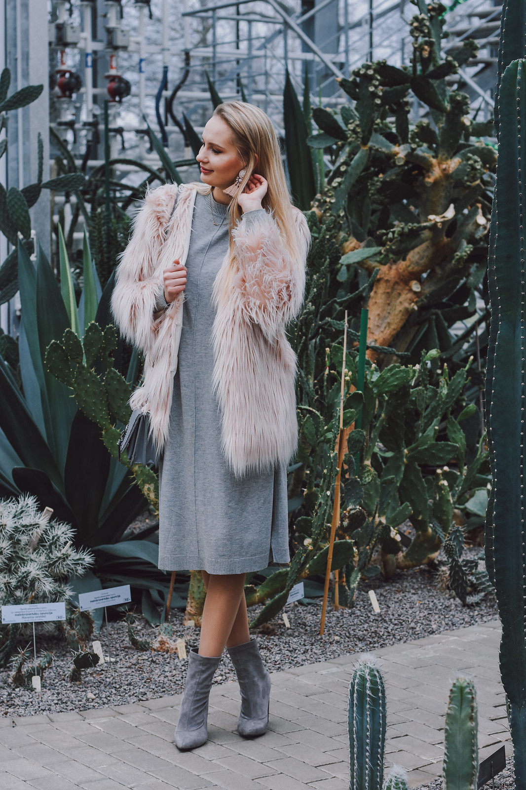 Feminine winter outfit