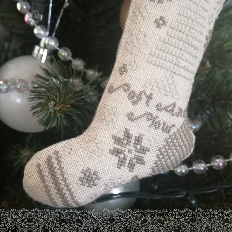 christmas stocking, heartstring samplery, cross stitch (3)