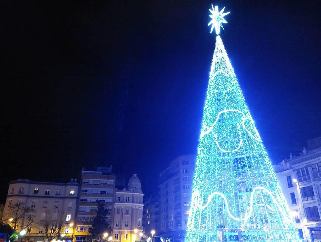 Feliz noche de Reyes a todos. #Reyesmagos #xmas #xmastree #Coruña #phonephoto #photography