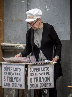Milli Piyango Woman, Estambul, Turquía