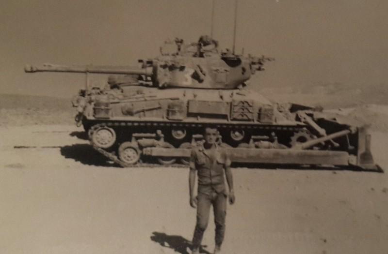 M4-Sherman-dozer-f-1