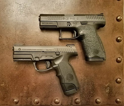 New Steyr M9A1    - Topic