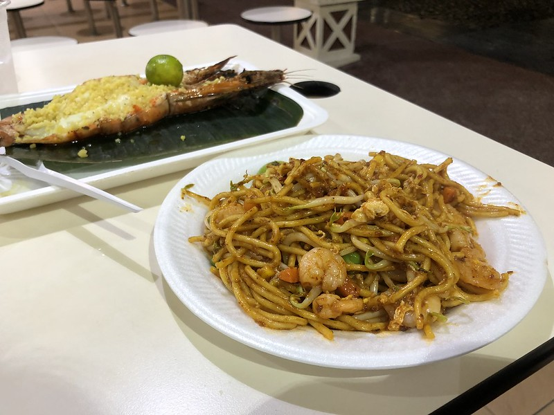 Tiger Shrimp and Noodles   Night Layover in Singapore