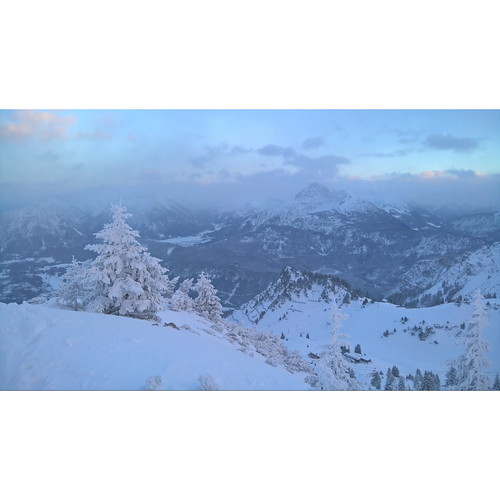 One more from yesterday  Back in Alps Christmas came early this year First piste skitour Wängle>Hahnenkamm    #skitour #Tirol #Austria #ski #Alps #lovetirol #vegansofig  #landscape #landschaft #nature #Alpen #skitrab  #skimo #mountains  #skiing #berge #mi