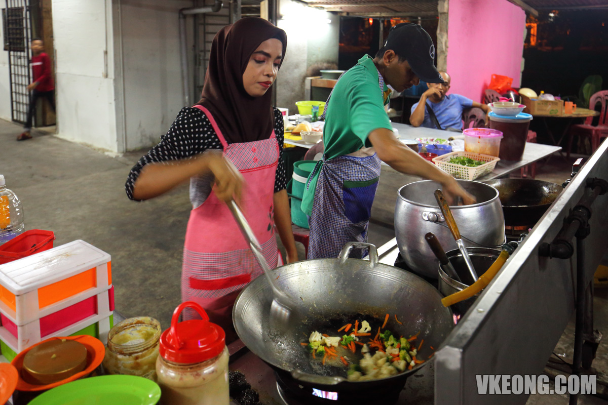 Cooking-Seafood-Lambak-Melaka
