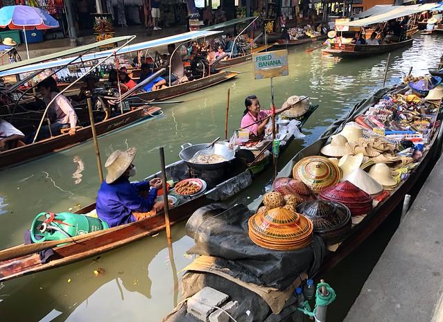 Damnoen Saduak Floating Market 70