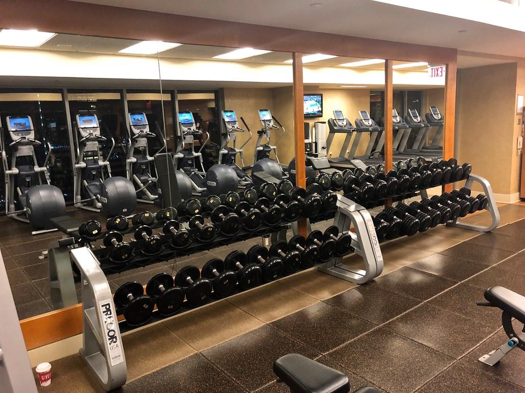 Hilton Americas-Houston Pool and Gym 26