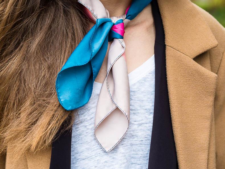 minimal-style-inspiration-neck-scarf