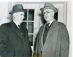CIO chief meets with Labor Secretary Schwellenbach: 1946