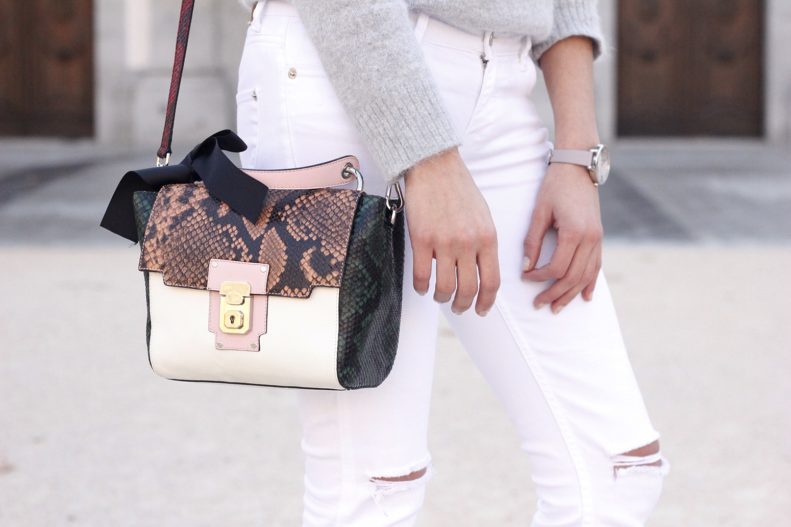 gray angora sweater white jeans uterqüe bag heels outfit style fashion winter13
