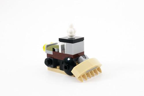 LEGO Seasonal Christmas Build Up (40253) - Day 9