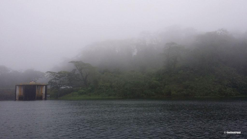 Sateista matkalla Santa Elenasta Arenaliin, Costa Rica