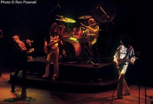Queen live @ Boston - 1976