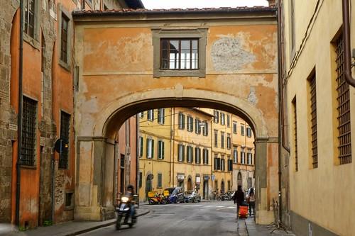Tuscany, Pisa - arched bridge