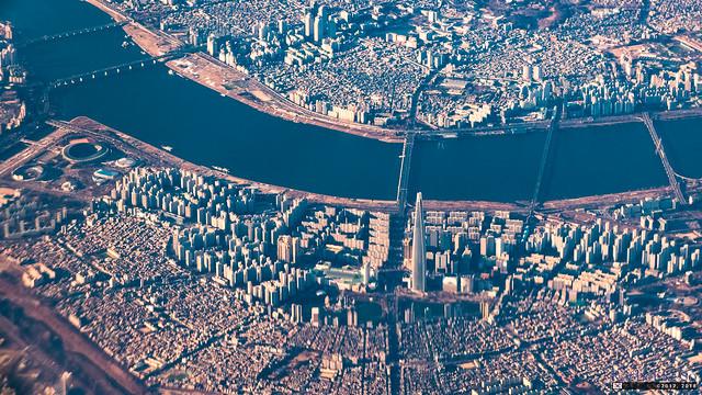 잠실 蠶室 Jamsil, Seoul from Asiana 106