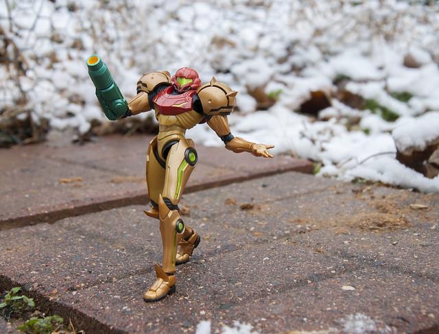 Samus Strolling in the Snow (1)