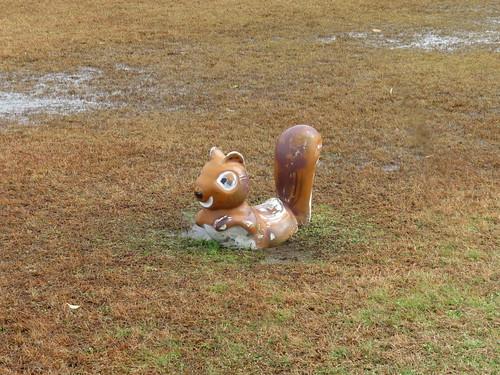 金沢競馬場のリスの遊具