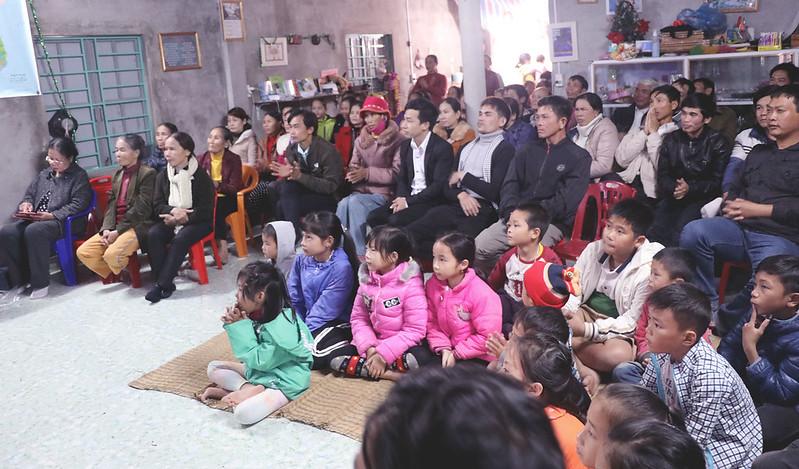 Hội Thánh Quảng Bình - GIáng Sinh có 70 người tham dự có hơn 20 người tin nhận Chúa (2)