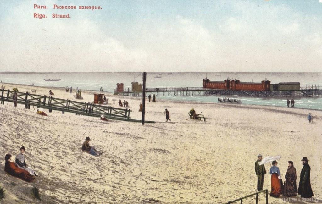 Plage à Riga sur la mer baltique vers 1900.