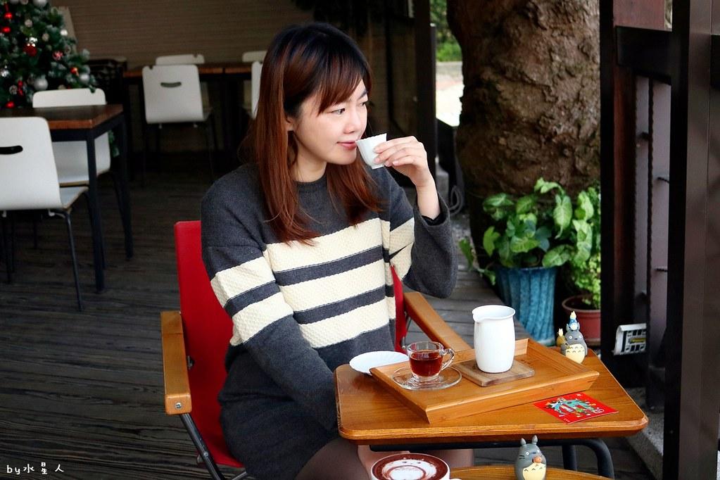 39329513951 8514b3fe13 b - 熱血採訪|MT49芒果樹咖啡店,單品手沖咖啡、現做鬆餅輕食帕里尼,宮崎駿龍貓可愛陪伴