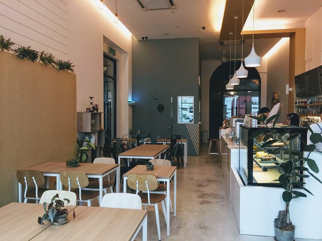 Twelve cups cafe