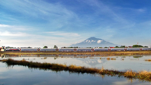 kereta api indonesia wonderful railway railfans railroad landscape west java cirebon