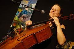 Laura Caronni : chant, violoncelle, violon