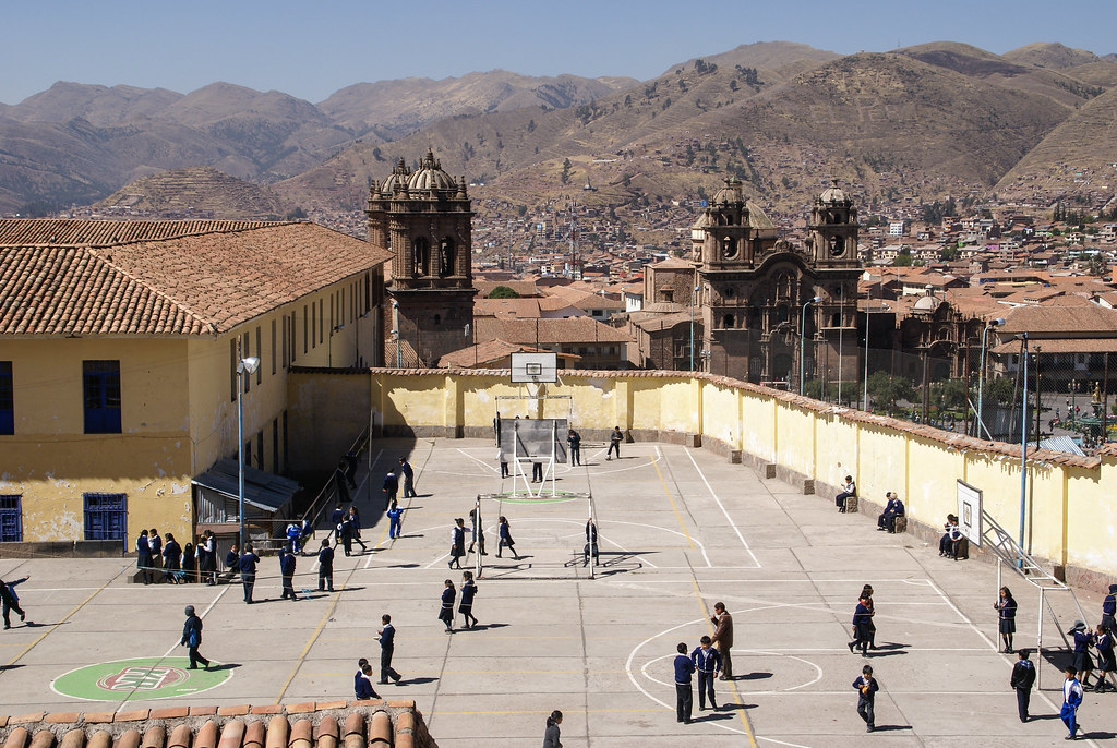 Schulhof in Cusco