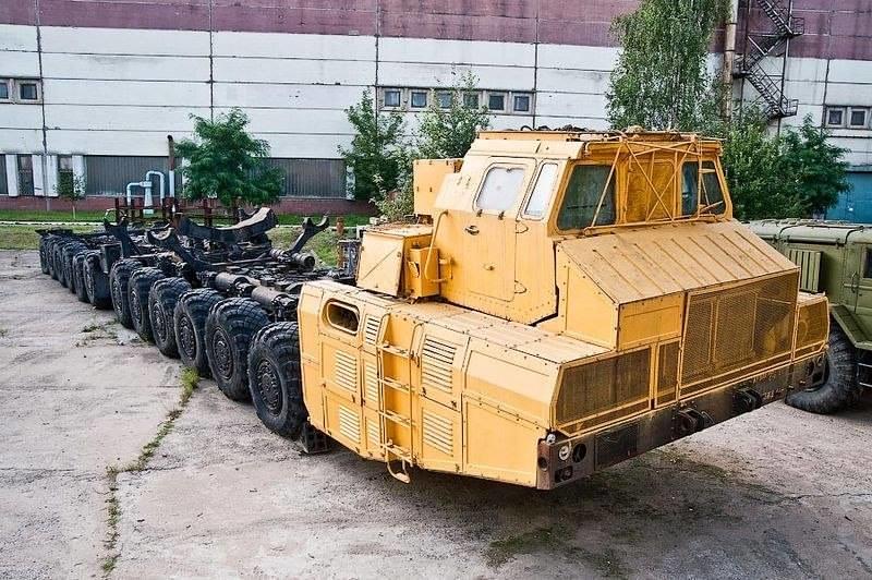 МАЗ-7907 с колёсной формулой 24х24.
