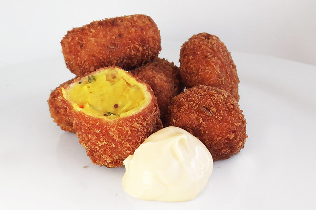 Indiaas gekruide aardappelkroketjes
