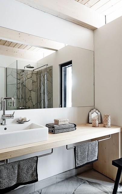 interior-bathroom2-winter-kati-hienonen-finland