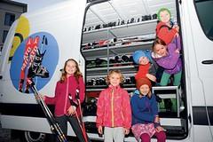 Půjčit, nebo koupit dětské lyže?