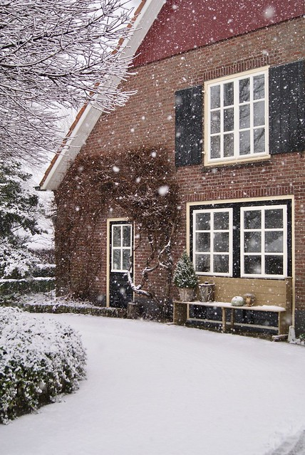 Woning landelijke stijl sneeuw