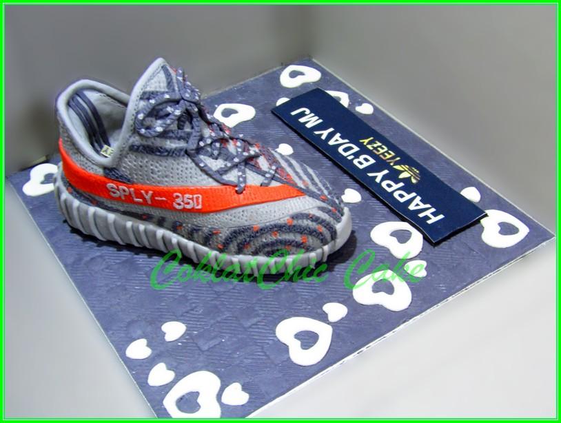 Cake Adidas Yeezy MJ  18cm