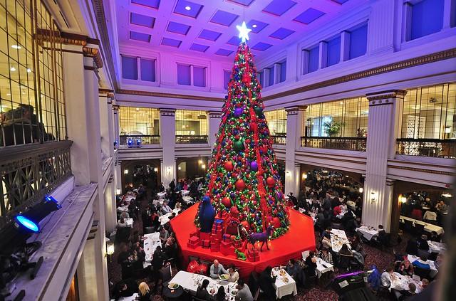 Merry Christmas Walnut Room, Nikon D90, AF-S DX Nikkor 10-24mm f/3.5-4.5G ED