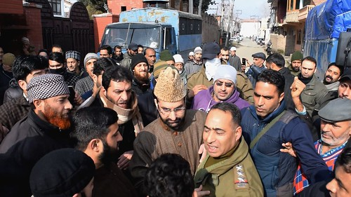 15 Dec-Mirwaiz-Umar-Farooq-was-detained-outside-his-Nigeen-residence-as-soon-as-he-tried-to-march-towards-the'Islamabad-on-Friday