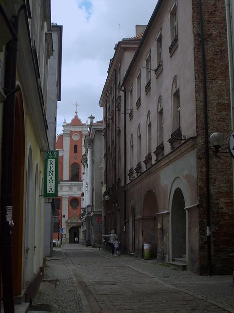 Ulica Chodyńskiego / Chodyński Street 5: Kick Scooter. Kalisz, Poland. Taken by NR