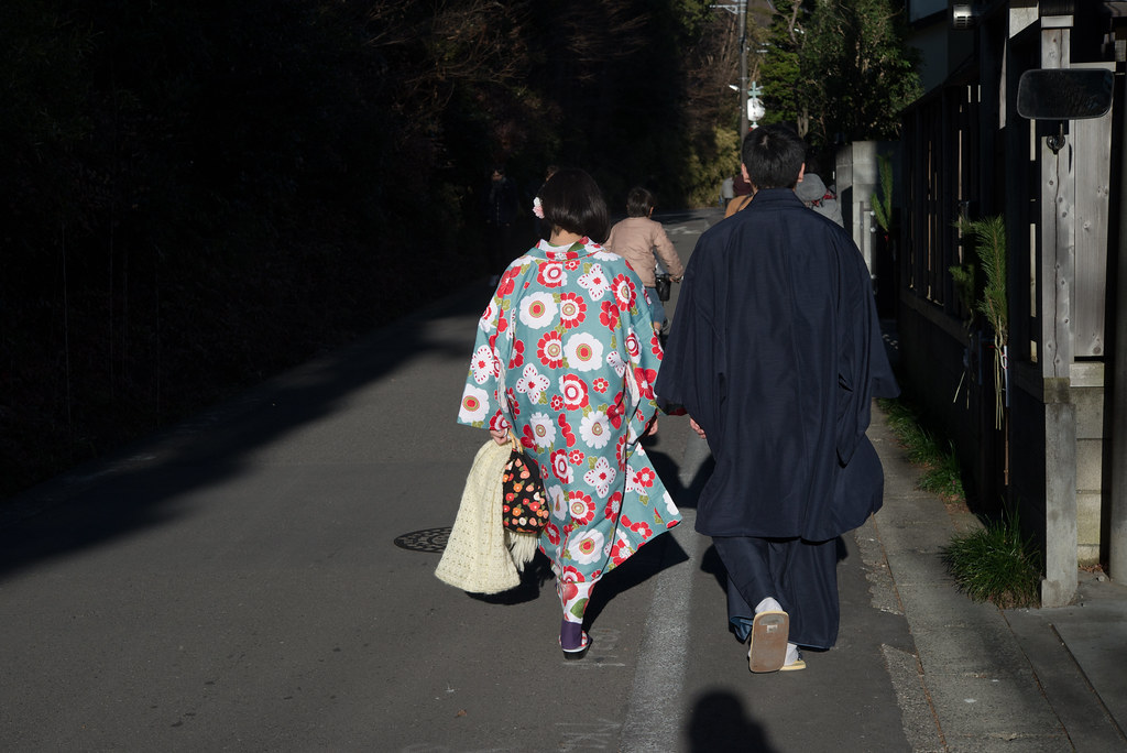 Kimono girl and boy, New years day, Kamakura